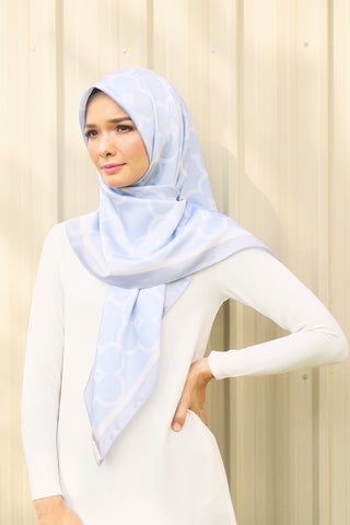 Jane Square Scarf in Airy Blue