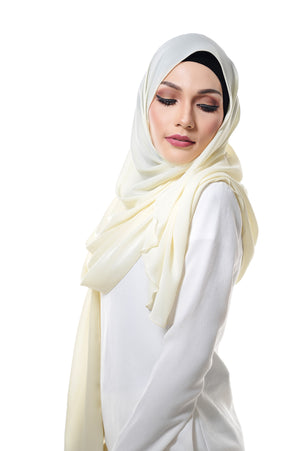 Essential Scarf Shimmering Series in Creamy Soup