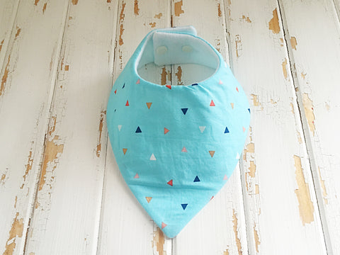 Blue with coloured triangles dribble bib