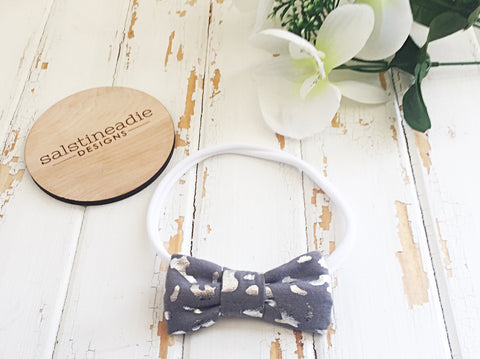 """Leopard"" grey and metallic silver bow headband"