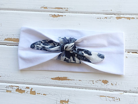 White cotton headband with marble knot tie