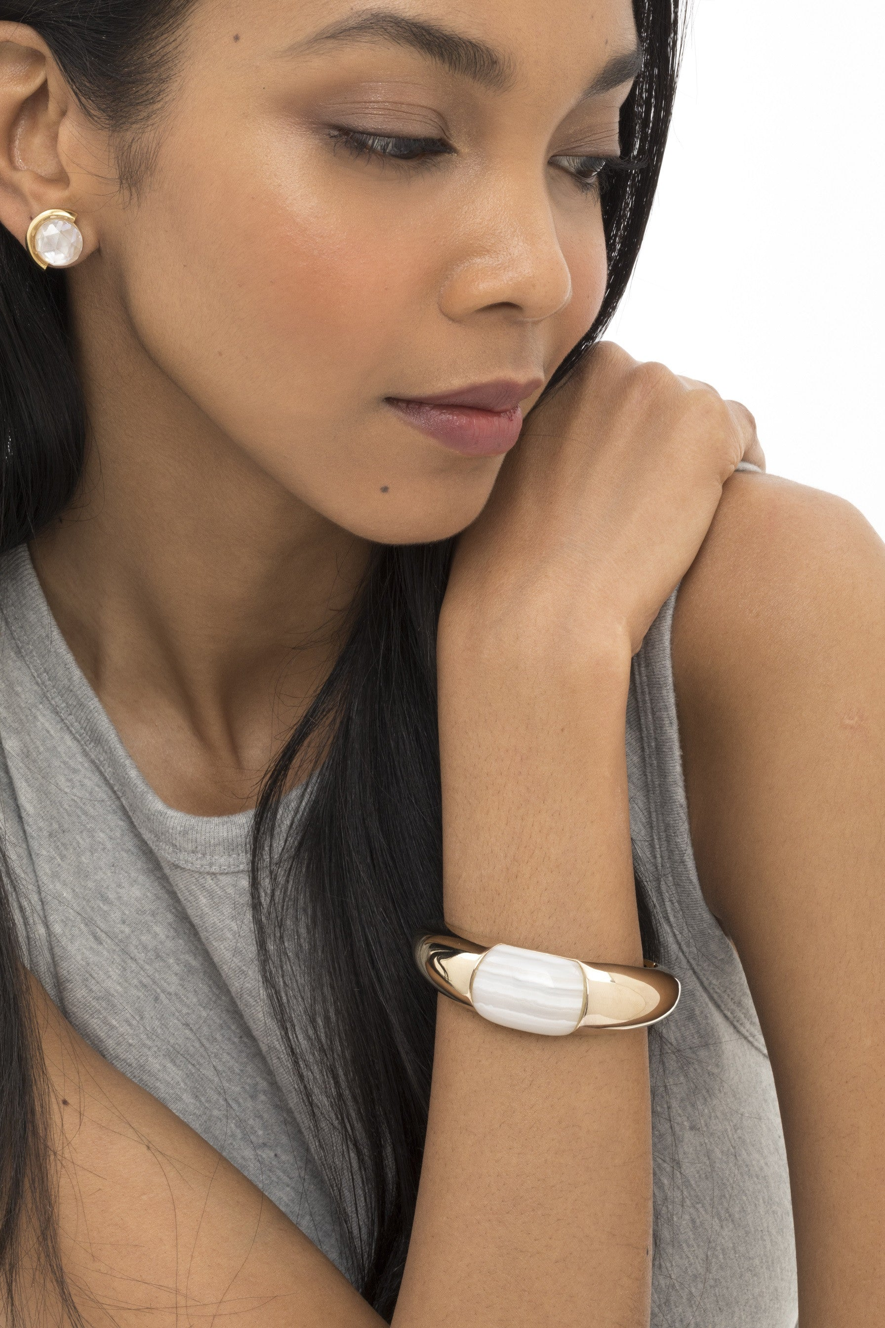 WHITE AGATE BUBBLE CUFF
