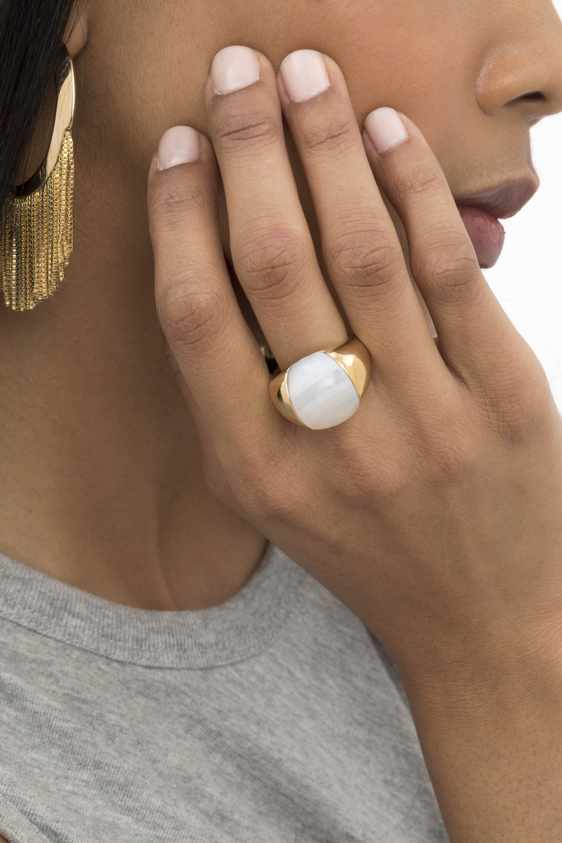 WHITE AGATE BUBBLE RING