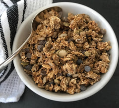 Banana Chocolate Chip Granola|Granola Bananes Chocolat