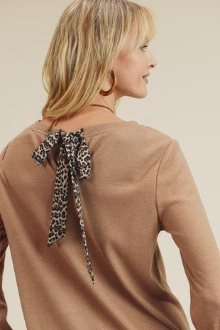 Leopard Contrast Top With Back Bow