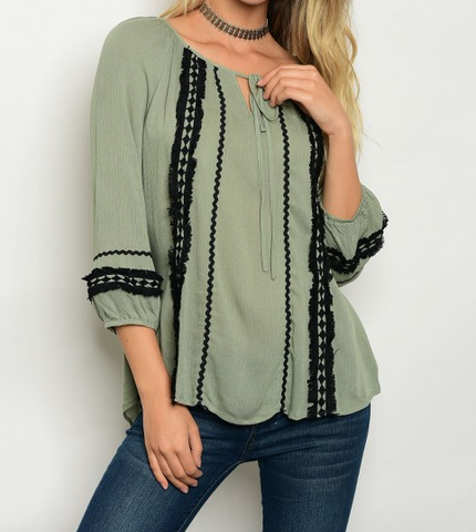 3/4 sleeve peasant top with scoop neck and black trim