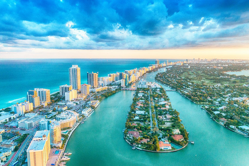 Free home showing between Miami and Palm Beach, Florida