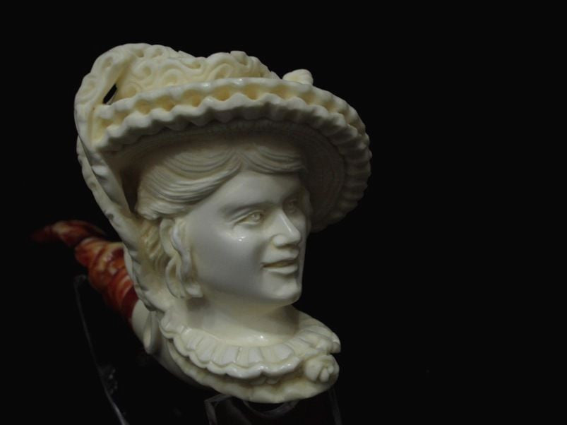 Beautiful Smiling Lady Woman w/Hat Block Meerschaum pipe by Cor Gift Case 7286