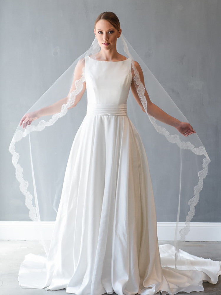 Mantilla Veil with Chantilly Lace - Distinctive Veils & Accessories