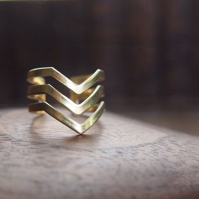 Modern 3 chevron brass ring