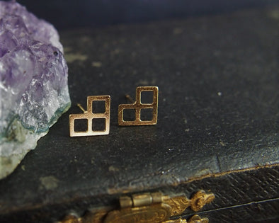 Geometric gold heart earrings