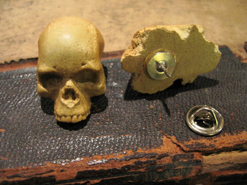 bone color skull pin