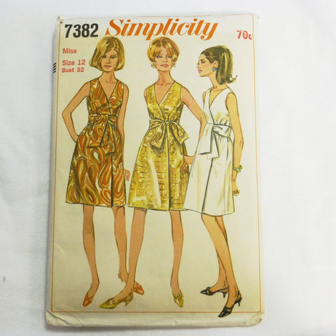 Simplicity 7382 1967 Sewing Pattern Wrap Dress. Sz XS