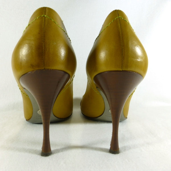Dolce and Gabanna Mustard Peeptoe Shoes. Size 8.5