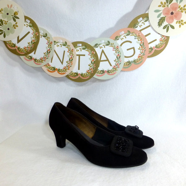 Bardon Black Courtshoes. Size 8.5