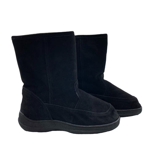 "Classic Short 9"" UGG with stitched sole Black"