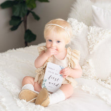 Load image into Gallery viewer, Baby Milestone Cards - Evergreen Collection Milestone Cards Blossom and Pear