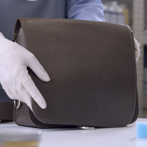 cleaning leather bag