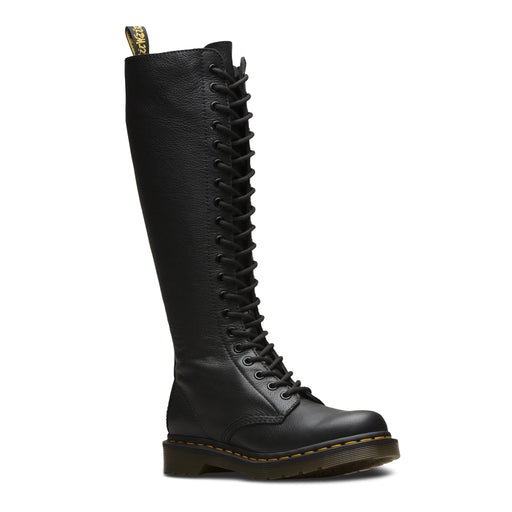 Dr. Martens 23889001 støvle sort-Dr. Martens-Hoofers - We love shoes