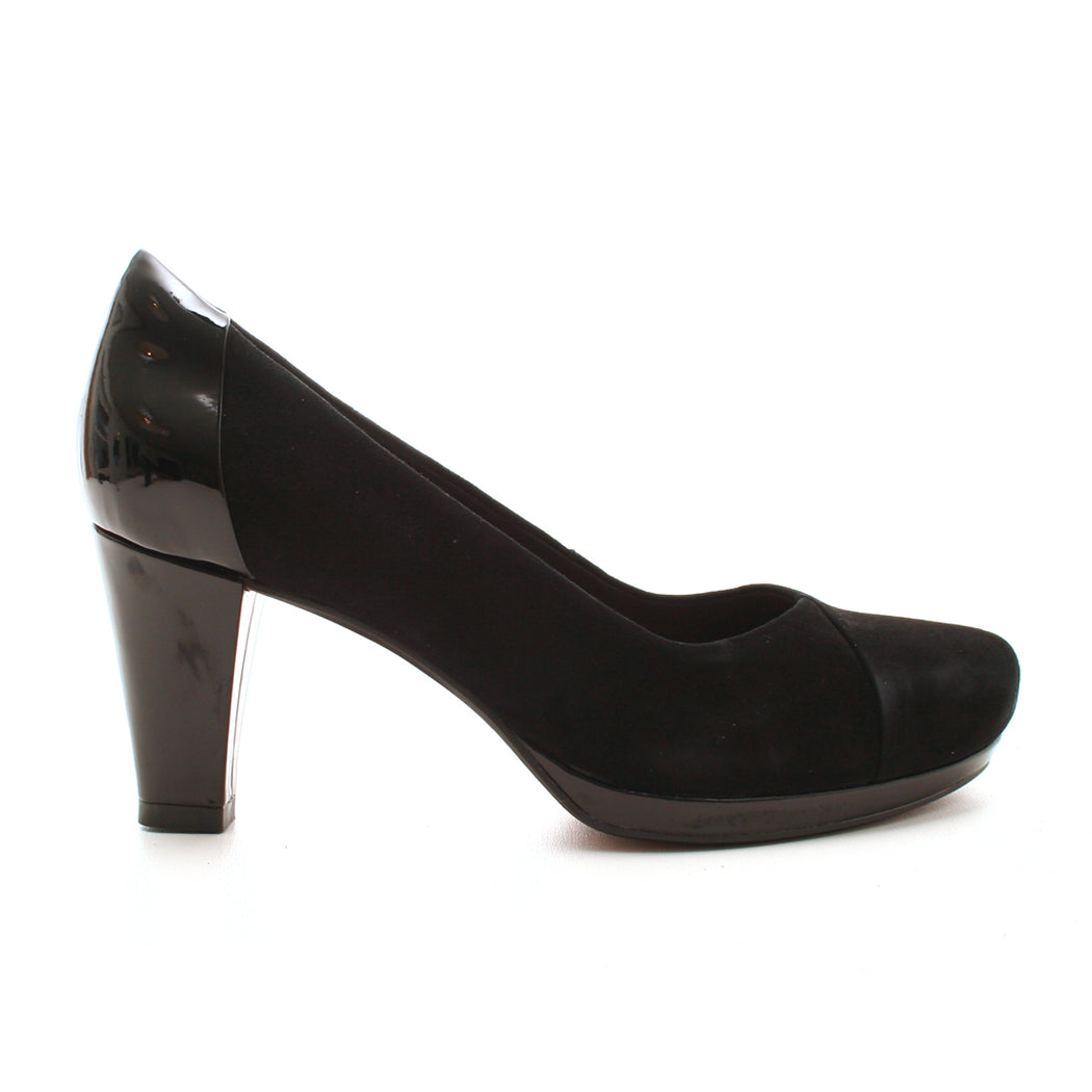 Clarks Chorus Carol pump sort-Clarks-Hoofers - We love shoes