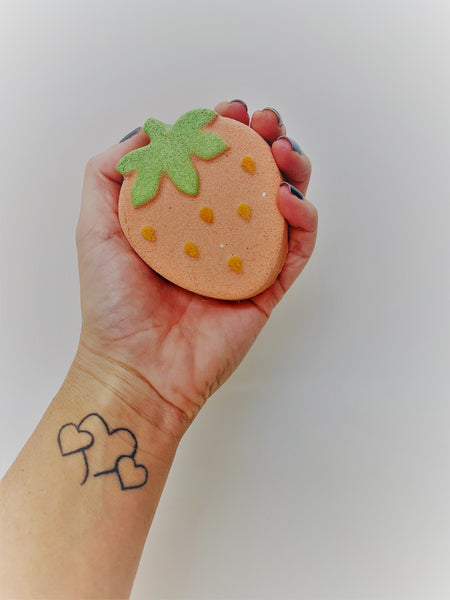 Strawberry-Crush ~ Luxe Bath Bomb