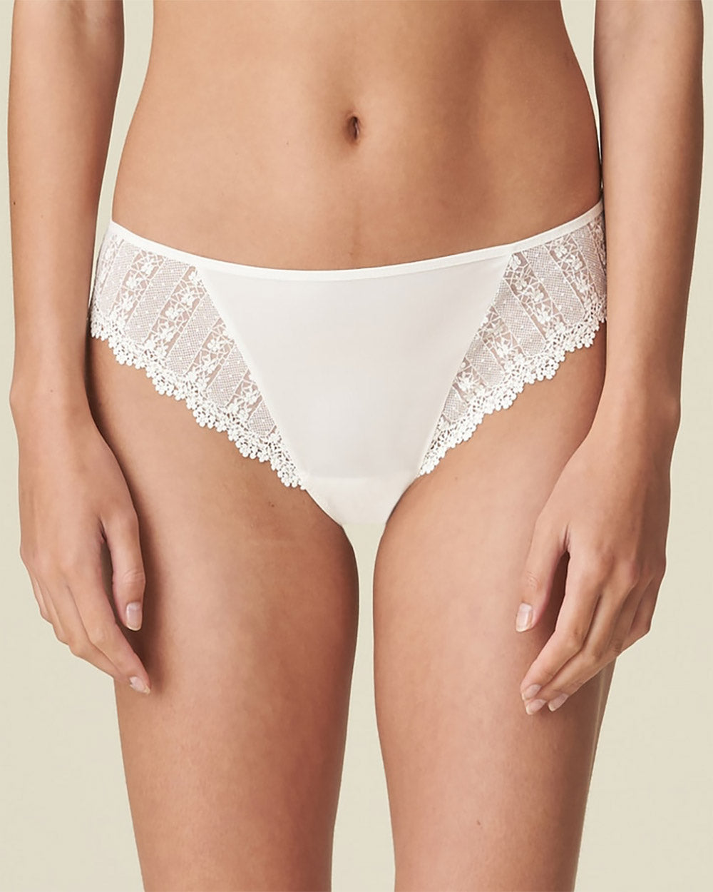 Christy Rio Brief