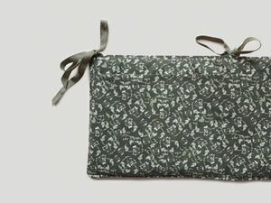 Floral Moss Bed Pocket