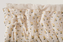 Load image into Gallery viewer, Mimosa Muslin Quilt