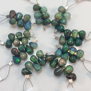 Black Opal - Briolettes: top-drilled 5-6mm - Short Strand