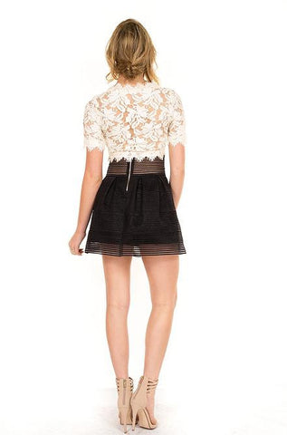 Luxxel - White Woven Lace Crop Top - Cimiche