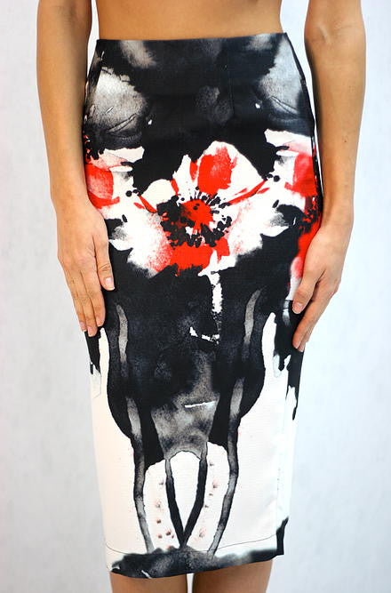 L'atiste Black White and Red Flower Print Skirt - Cimiche