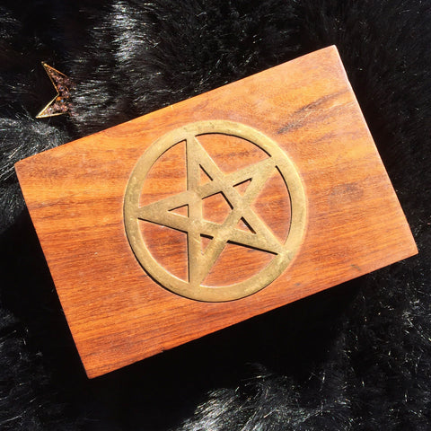 Metal Pentagram Wooden Box + tumble stone crystal value set