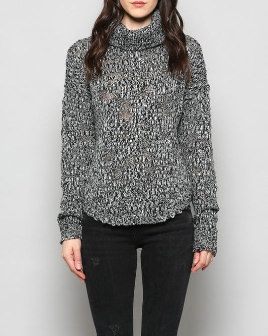 MIA TURTLE NECK SWEATER