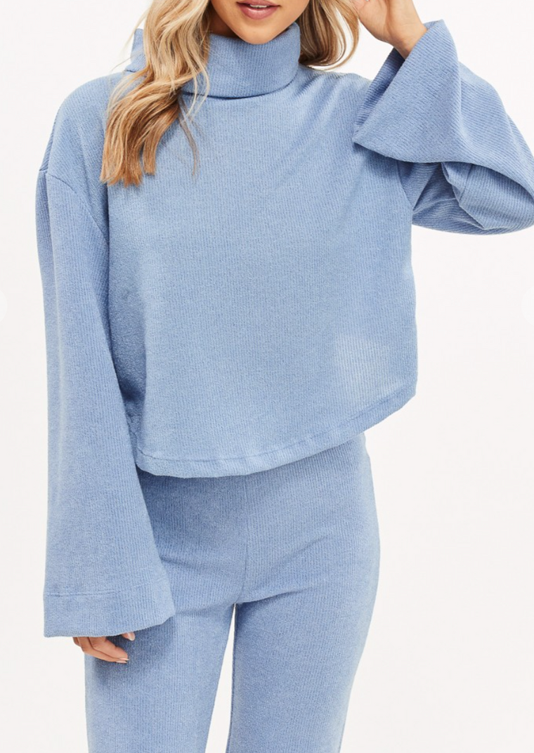 BETSY OPEN BACK TURTLENECK TOP