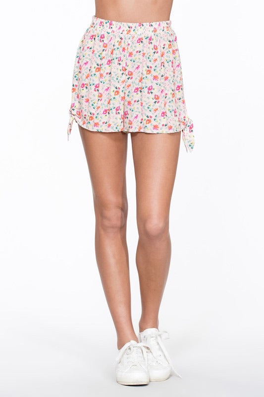 LOGAN BLUSHING PINK FLORAL SIDE TIE SHORTS