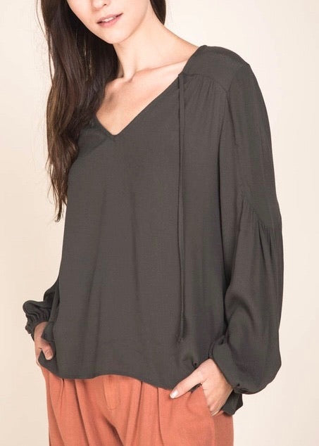 DELILAH BALLOON SLEEVE BLOUSE