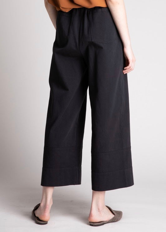 NIKKI CROP PANTS