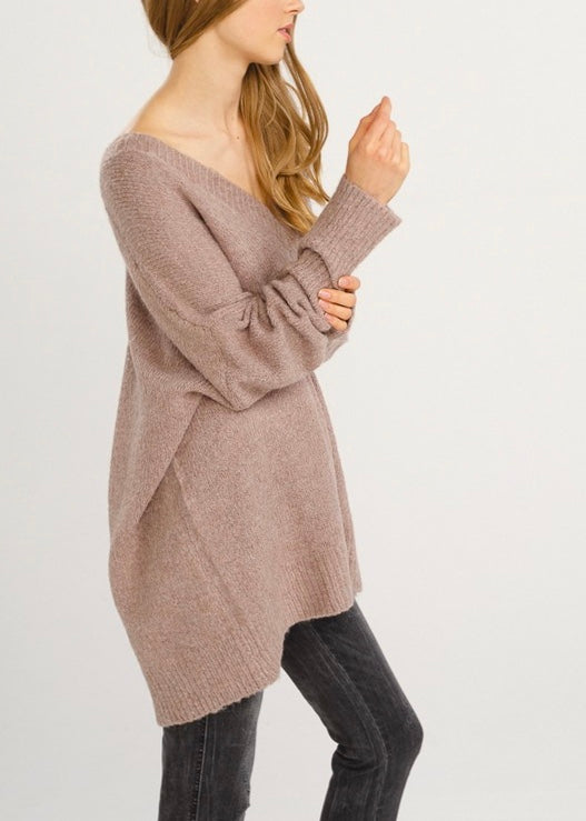 THE OVERSIZED V-NECK SWEATER