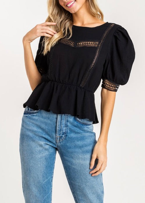 CROCHET LACE CINCHED TOP