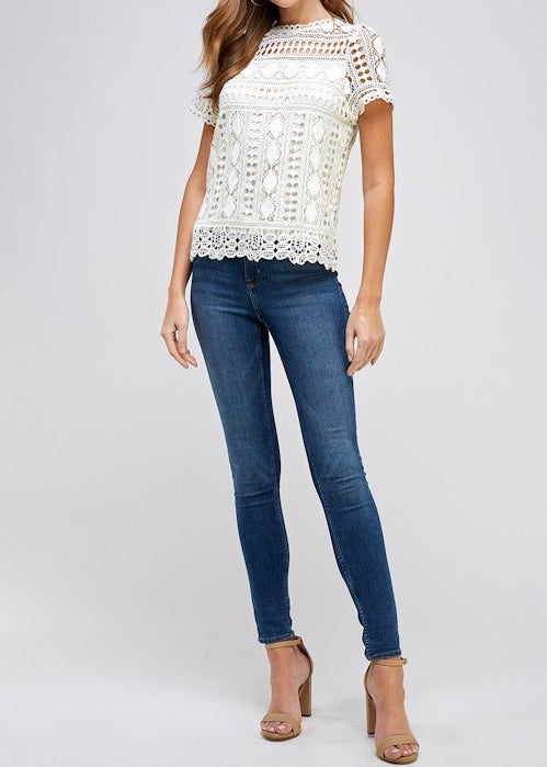 VALRI LACE SHORT SLEEVE TOP