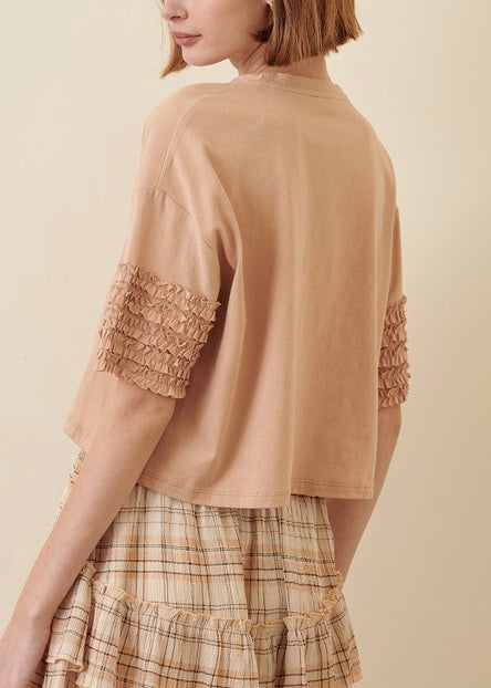 RUFFLED SLEEVE T SHIRT