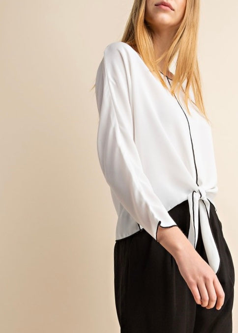 BLACK & WHITE BLOUSE