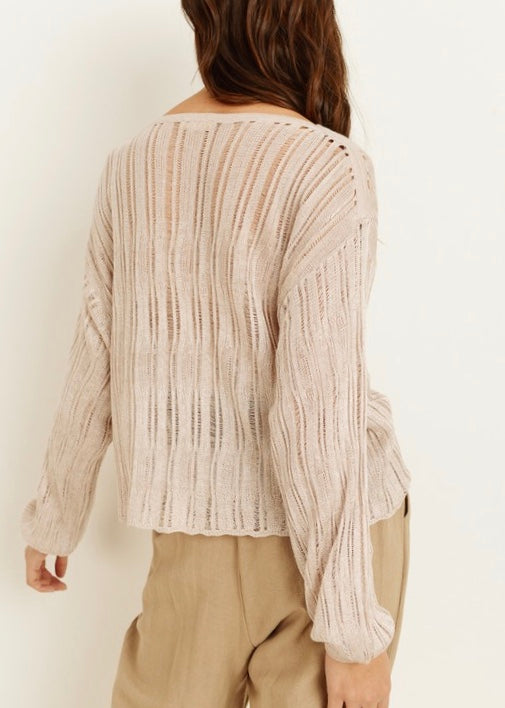 LIGHTWEIGHT WOVEN SWEATER TOP