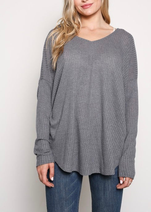 TWISTED EGGO KNIT TOP