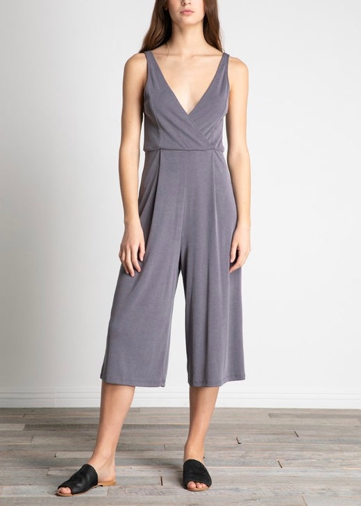 ANNIE DEEP V-NECK TUCKED WIDE JUMPSUIT
