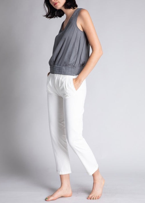 MARLO SLEEVELESS V NECK TOP