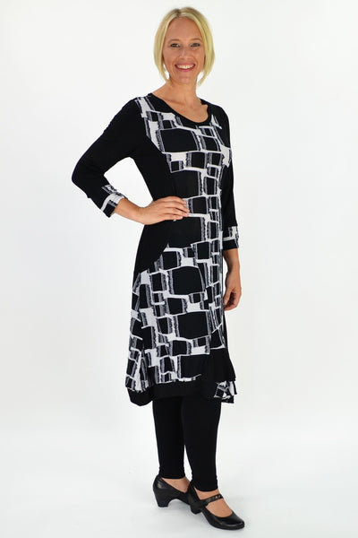 Black White Beauty - I Love Tunics @ www.ilovetunics.com