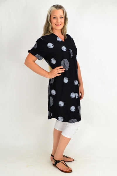 Black Vivian Tunic Top | I Love Tunics | Tunic Tops | Tunic Dresses | Women's Tops | Plus Size Australia | Mature Fashion