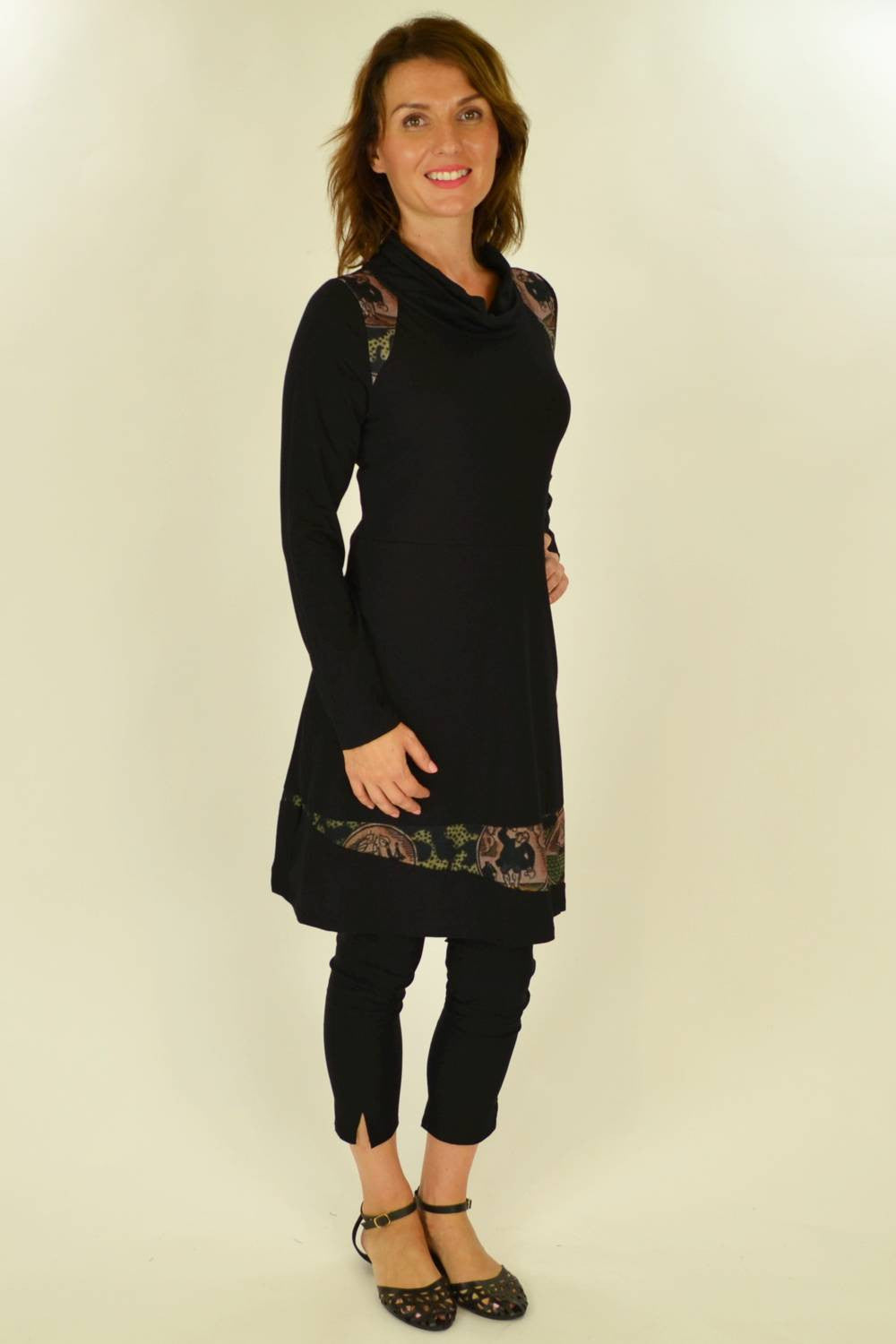 Holmes Fallon Black Sail Away Tunic - at I Love Tunics @ www.ilovetunics.com = Number One! Tunics Destination