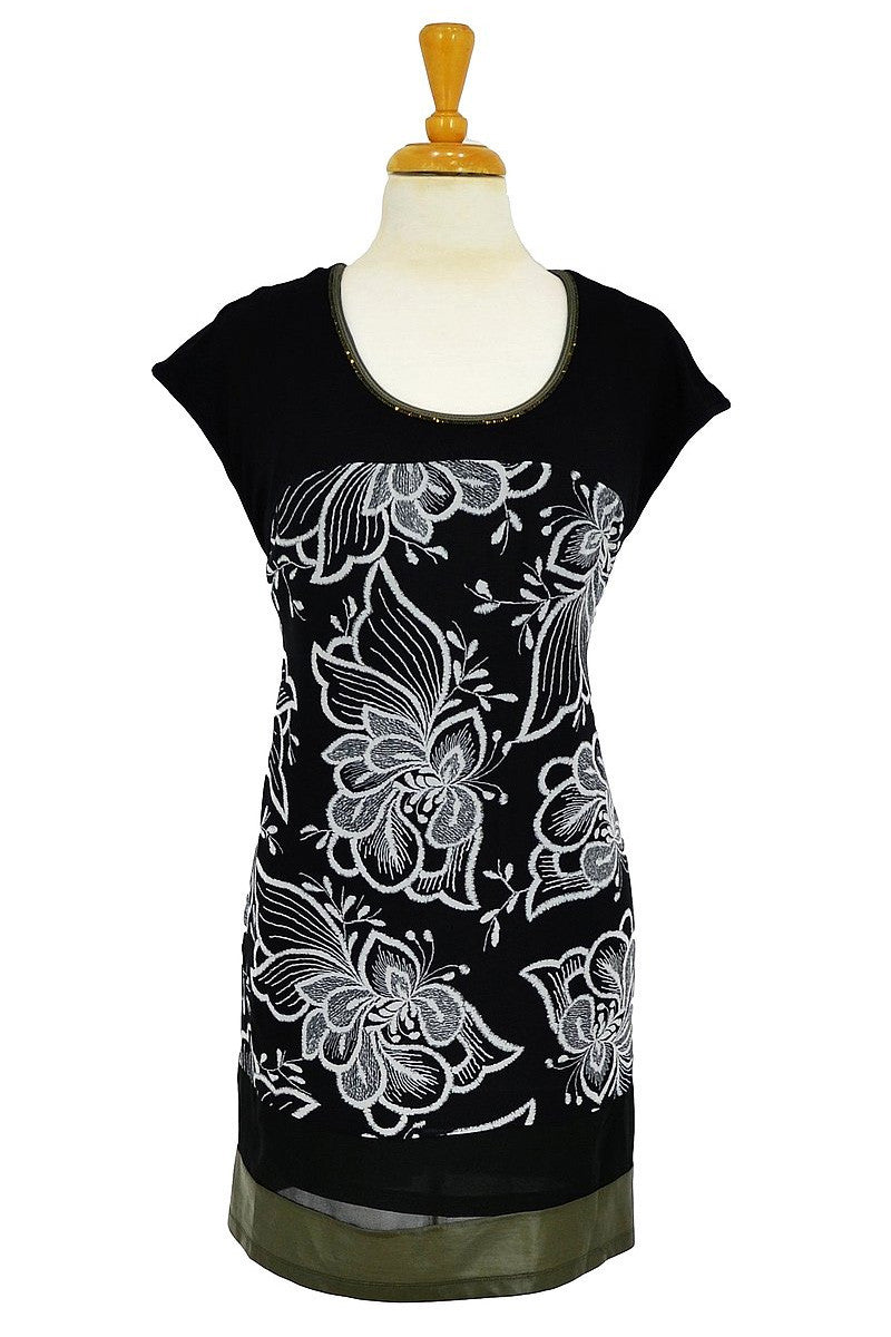 Black White Floral Tunic - at I Love Tunics @ www.ilovetunics.com = Number One! Tunics Destination